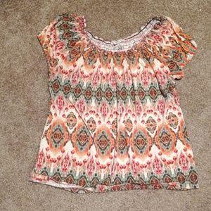 Claudia Richard shirt size XL